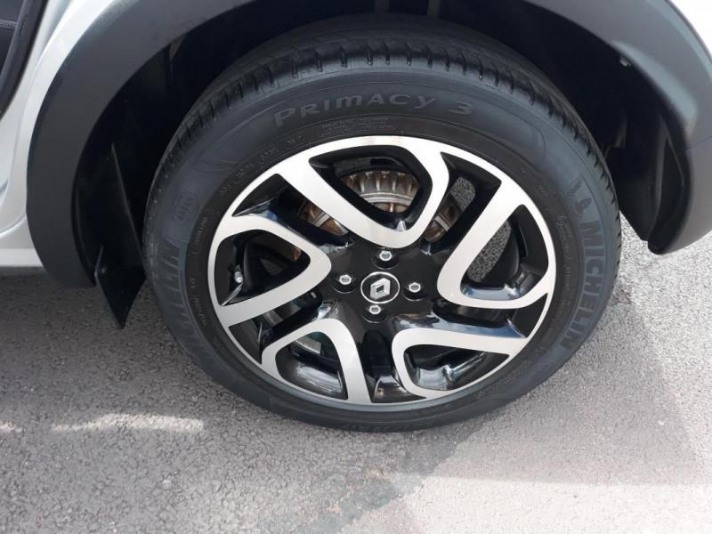Renault Captur dCi 90 Energy ecoé Intens Gris occasion à COUTANCES - photo n°11