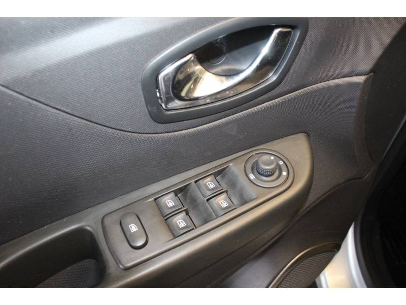 Renault Captur dCi 90 Energy S&S eco² Zen Gris occasion à TARBES - photo n°10
