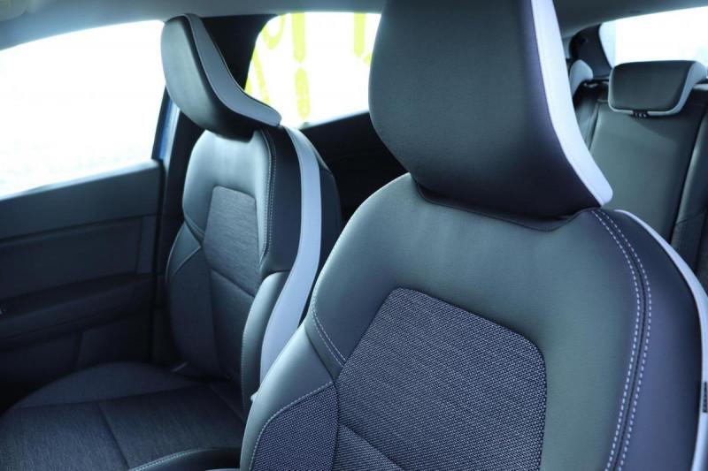Renault Captur INTENS PLUG IN HYBRID E- TECH 160CH BVA Bleu occasion à Semécourt - photo n°5