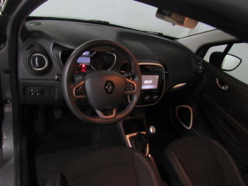 Renault Captur TCe 90 Zen Gris occasion à FLERS - photo n°14