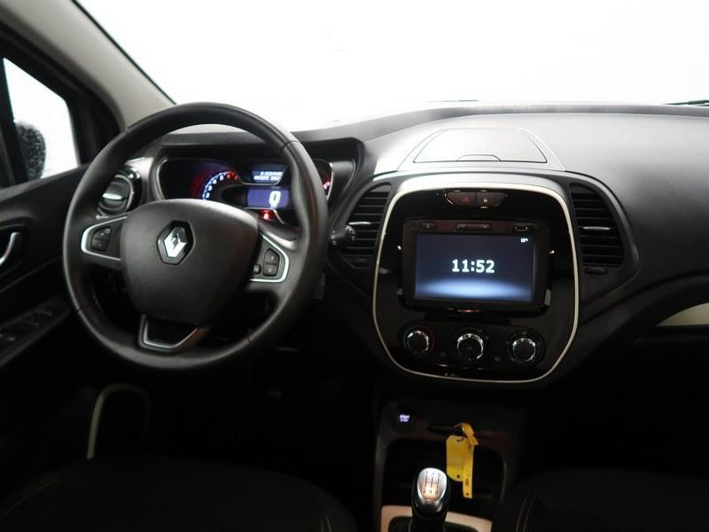 Renault Captur TCe 90 Zen Gris occasion à VANNES - photo n°11
