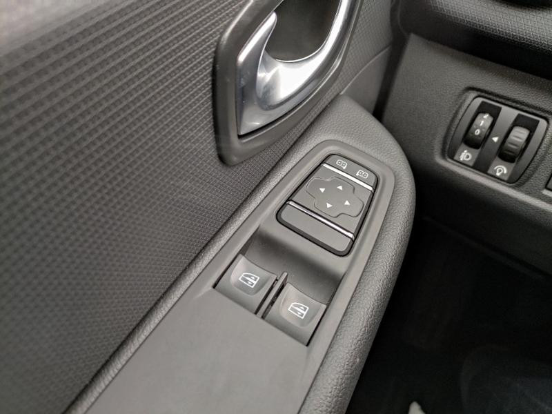 Renault Clio Estate 1.2 16v 75ch Limited Gris occasion à Samoreau - photo n°17