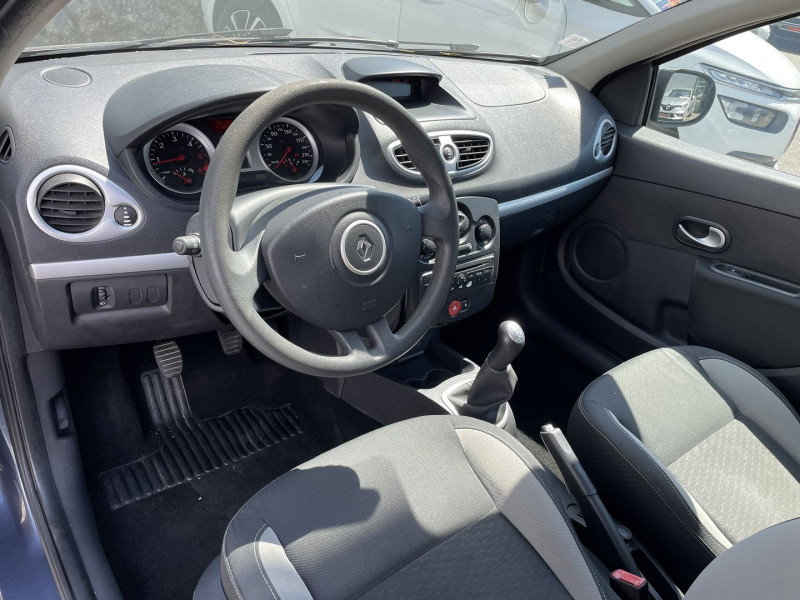 Renault Clio III 1.5 DCI 70CH EXPRESS CLIM ECO² 115G 5P Bleu occasion à Toulouse - photo n°5