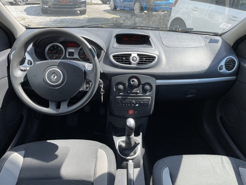 Renault Clio III 1.5 DCI 70CH EXPRESS CLIM ECO² 115G 5P Bleu occasion à Toulouse - photo n°7