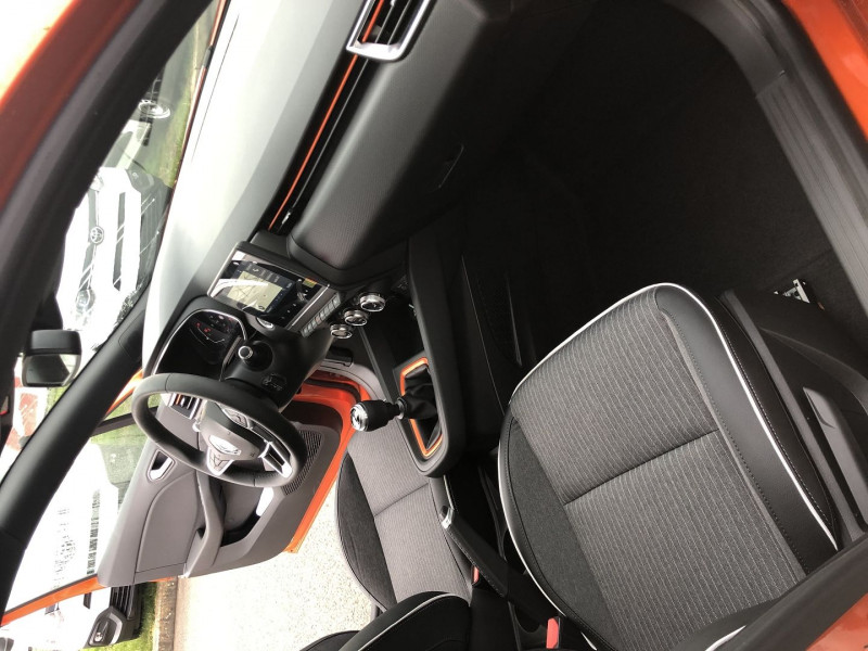 Renault Clio V 1.0 TCE 90CH INTENS E6D-FULL Orange occasion à Saint-Saturnin - photo n°7