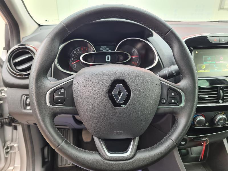 Renault Clio 0.9 TCe 75ch energy Limited 5p Euro6c Gris occasion à Sens - photo n°10