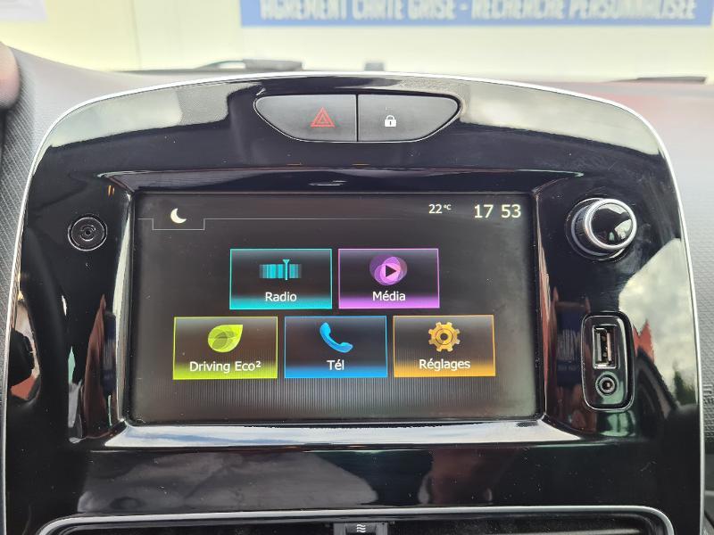 Renault Clio 0.9 TCe 75ch energy Limited 5p Euro6c Gris occasion à Sens - photo n°11