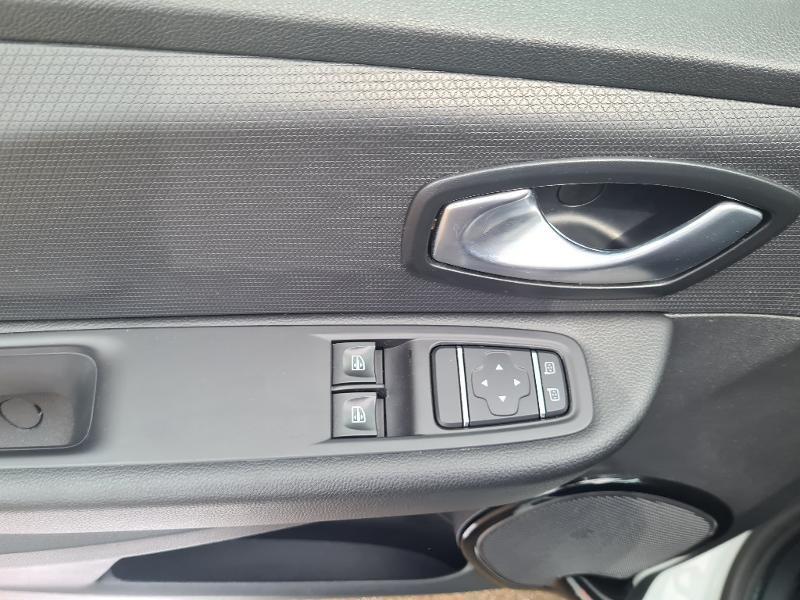 Renault Clio 0.9 TCe 75ch energy Limited 5p Euro6c Blanc occasion à Sens - photo n°16