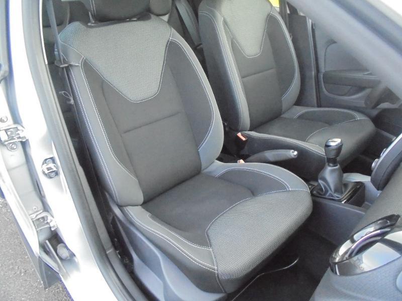 Renault Clio 0.9 TCe 90ch energy Business 5p GPS Gris occasion à Vert-Saint-Denis - photo n°2