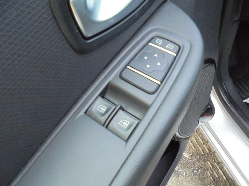 Renault Clio 0.9 TCe 90ch energy Business 5p GPS Gris occasion à Vert-Saint-Denis - photo n°8