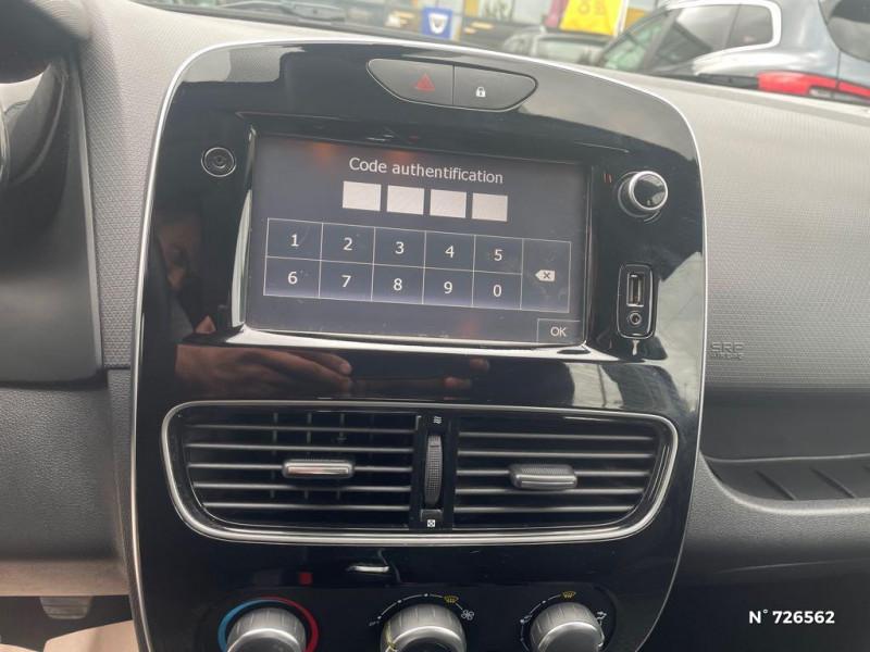 Renault Clio 0.9 TCe 90ch energy Business 5p Gris occasion à Crépy-en-Valois - photo n°11