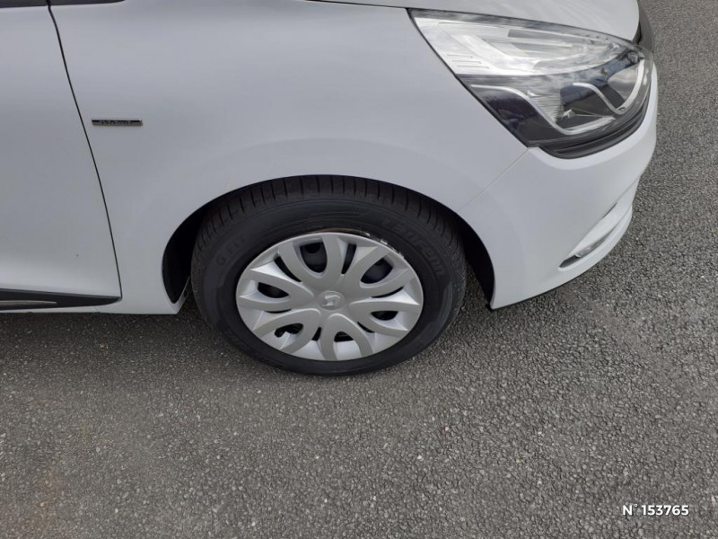 Renault Clio 0.9 TCe 90ch Intens 5p Blanc occasion à Bernay - photo n°9