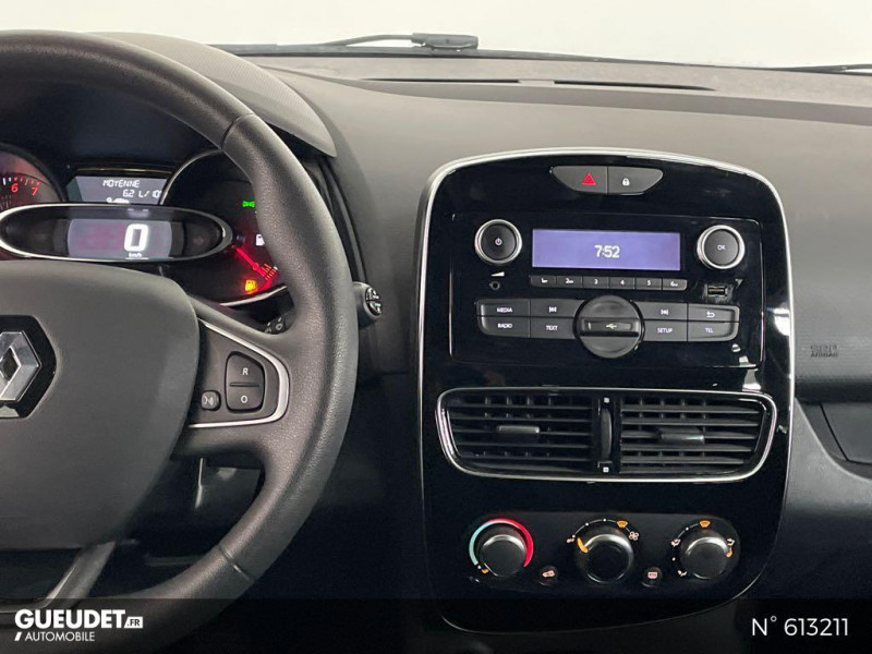 Renault Clio 1.2 16v 75ch Life 5p Gris occasion à Rivery - photo n°11