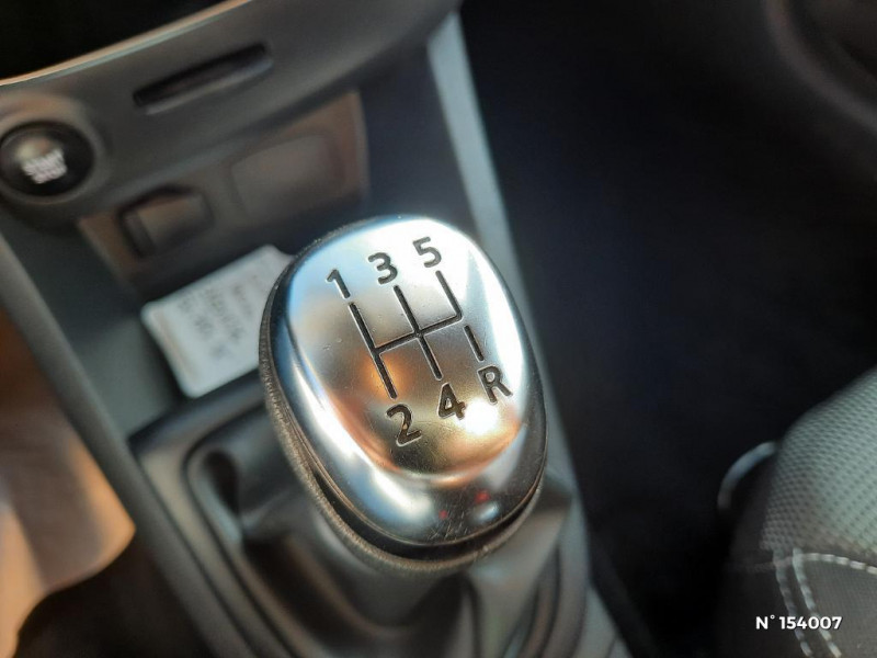Renault Clio 1.2 16v 75ch Life 5p Gris occasion à Glos - photo n°17