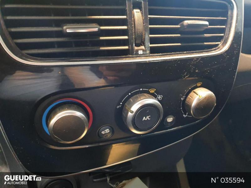 Renault Clio 1.5 dCi 75ch energy Air Blanc occasion à Saint-Maximin - photo n°13