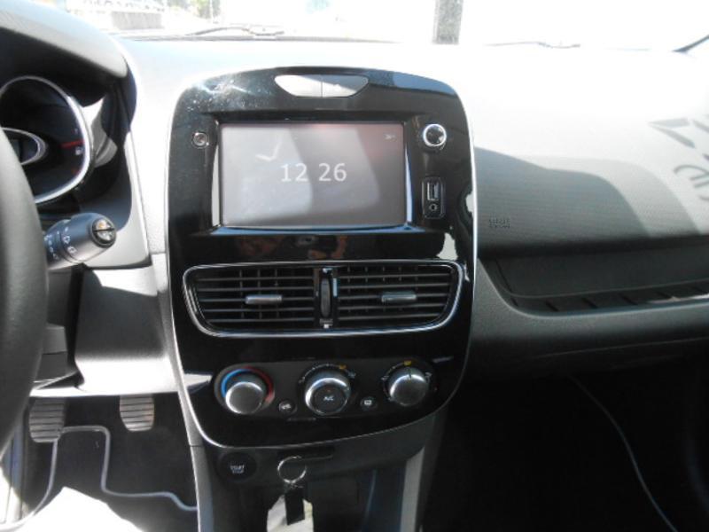 Renault Clio 1.5 dCi 75ch energy Zen 5p Blanc occasion à Rodez - photo n°8