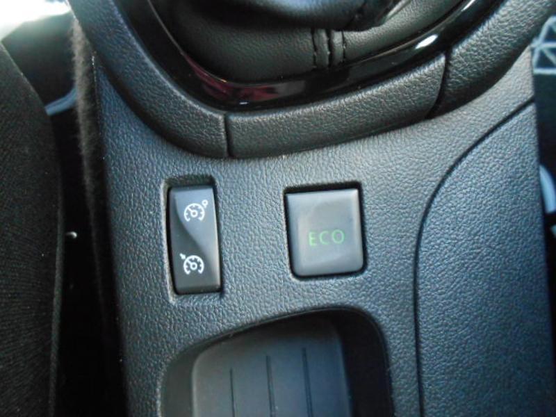 Renault Clio 1.5 dCi 75ch energy Zen 5p Blanc occasion à Rodez - photo n°14