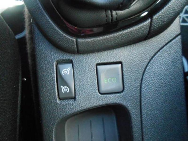 Renault Clio 1.5 dCi 75ch energy Zen 5p Blanc occasion à Rodez - photo n°12