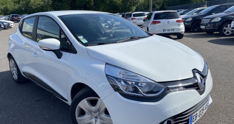 Renault Clio 1.5 DCI 90CH ENERGY BUSINESS ECO² EURO6 82G 2015 Blanc occasion à VOREPPE - photo n°2