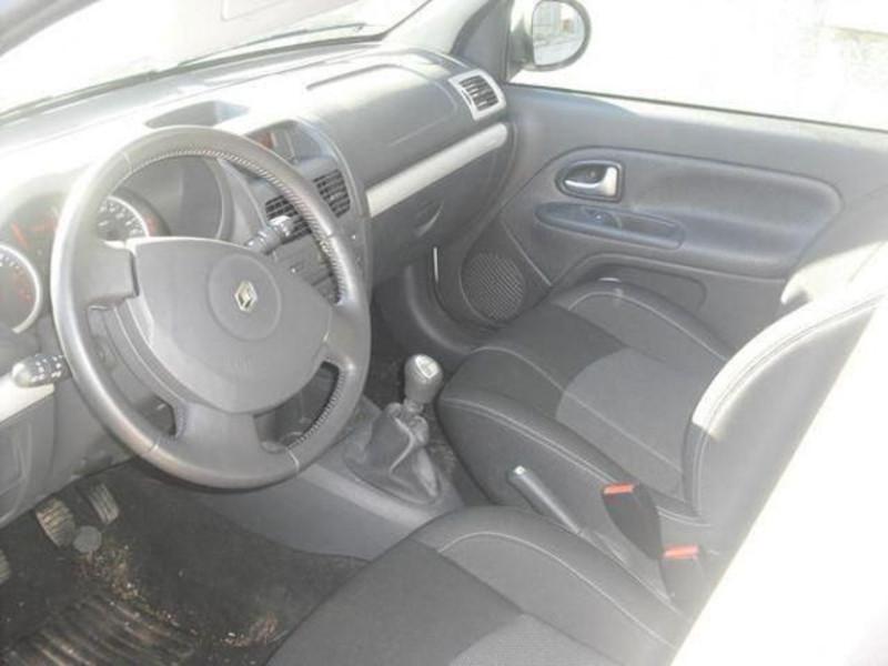 Renault Clio 5 portes 1.5 dCi 105 Dynamique  occasion à Créteil - photo n°3