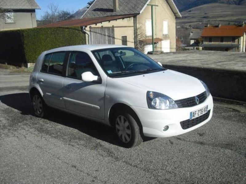 Renault Clio 5 portes 1.5 dCi 105 Dynamique  occasion à Créteil
