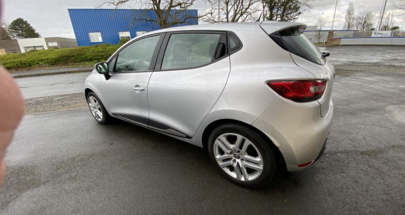 Renault Clio IV (B98) 1.5 dCi 90ch energy Business Gris occasion à AVRILLE - photo n°5
