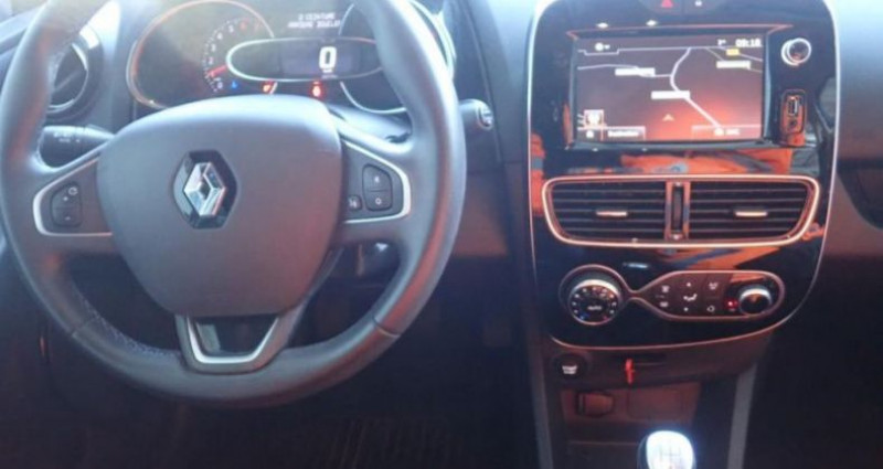Renault Clio IV 0.9 TCe 90 INTENS Gris occasion à CHANAS - photo n°4