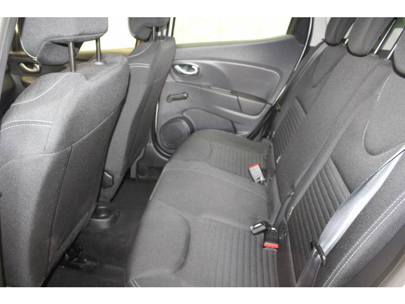 Renault Clio IV 1.2 16V 75 Limited Blanc occasion à TARBES - photo n°8