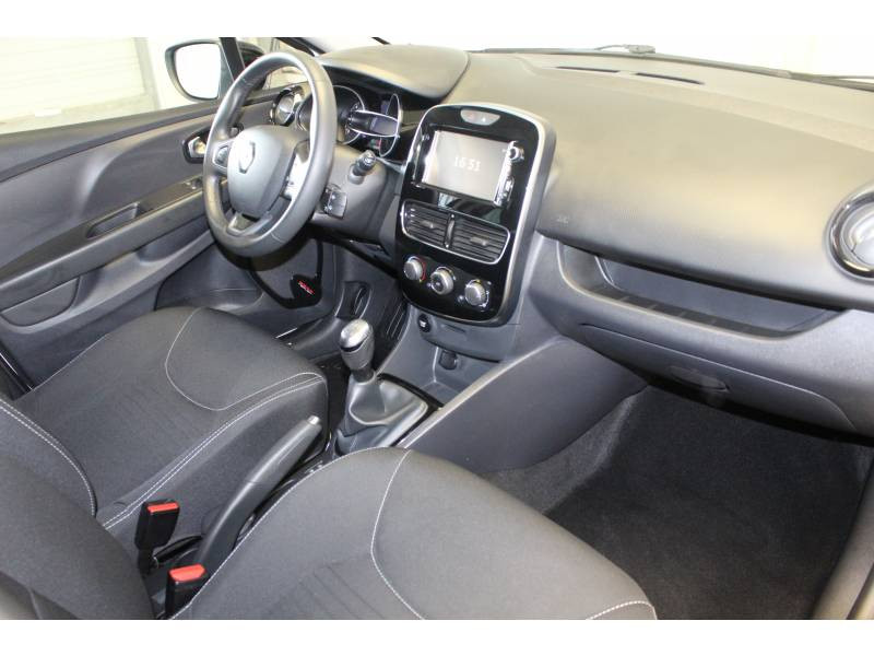 Renault Clio IV 1.2 16V 75 Limited Blanc occasion à TARBES - photo n°7