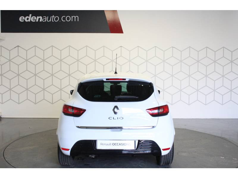 Renault Clio IV 1.2 16V 75 Limited Blanc occasion à TARBES - photo n°4