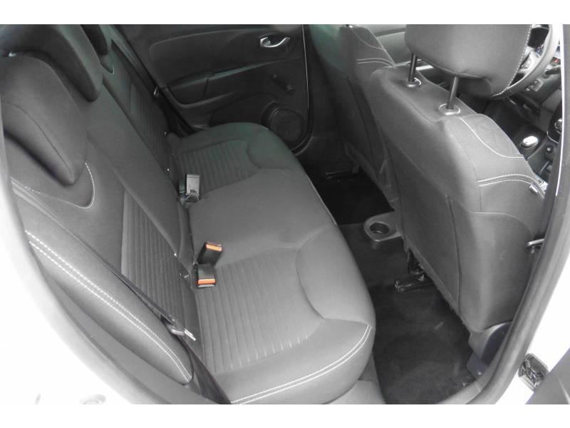 Renault Clio IV 1.2 16V 75 Limited Blanc occasion à L'Isle-Jourdain - photo n°6