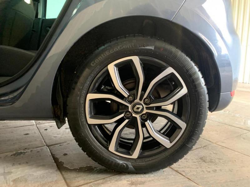 Renault Clio IV 1.2 16V 75 Limited Gris occasion à CONCARNEAU - photo n°3