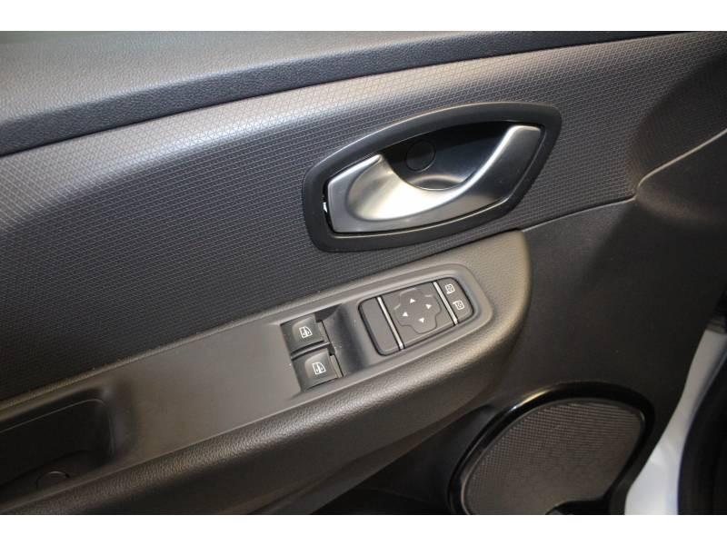 Renault Clio IV 1.2 16V 75 Trend Gris occasion à TARBES - photo n°10