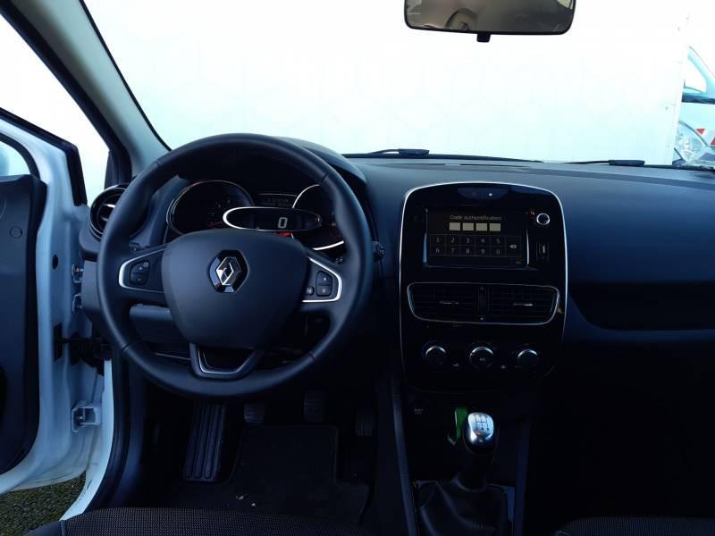 Renault Clio IV BUSINESS dCi 75 E6C Blanc occasion à Langon - photo n°8