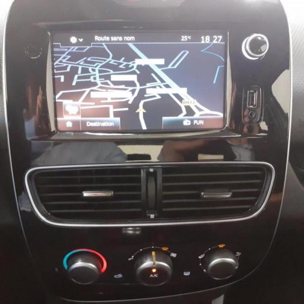 Renault Clio IV BUSINESS dCi 75 Energy Gris occasion à SAINT-LO - photo n°7