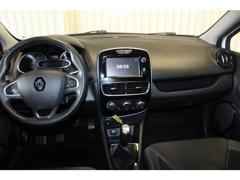 Renault Clio IV BUSINESS dCi 90 Energy 82g Blanc occasion à TARBES - photo n°8