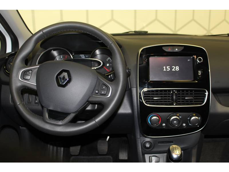 Renault Clio IV BUSINESS TCe 90 Energy Blanc occasion à Biarritz - photo n°9