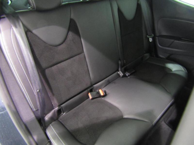Renault Clio IV dCi 90 E6C Intens Gris occasion à PONTIVY - photo n°6