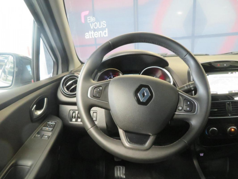 Renault Clio IV dCi 90 E6C Limited Blanc occasion à QUIMPER - photo n°13