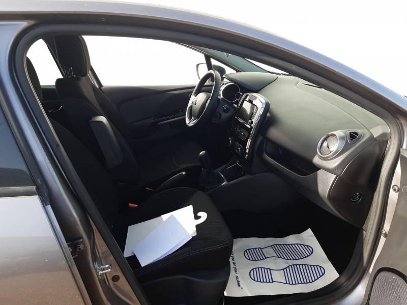 Renault Clio IV dCi 90 Energy eco2 Graphite 90g Gris occasion à Agen - photo n°9