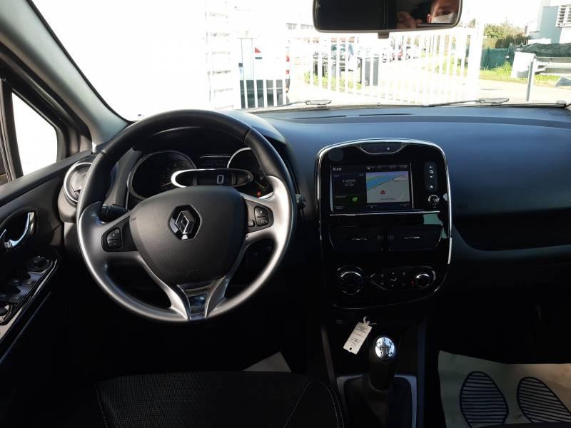 Renault Clio IV dCi 90 Energy eco2 Graphite 90g Gris occasion à Agen - photo n°8