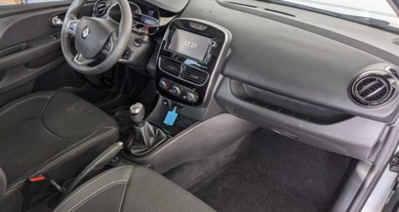 Renault Clio IV SOCIETE 1.5 dCi 90ch Air Medianav Blanc occasion à SAINT FULGENT - photo n°2
