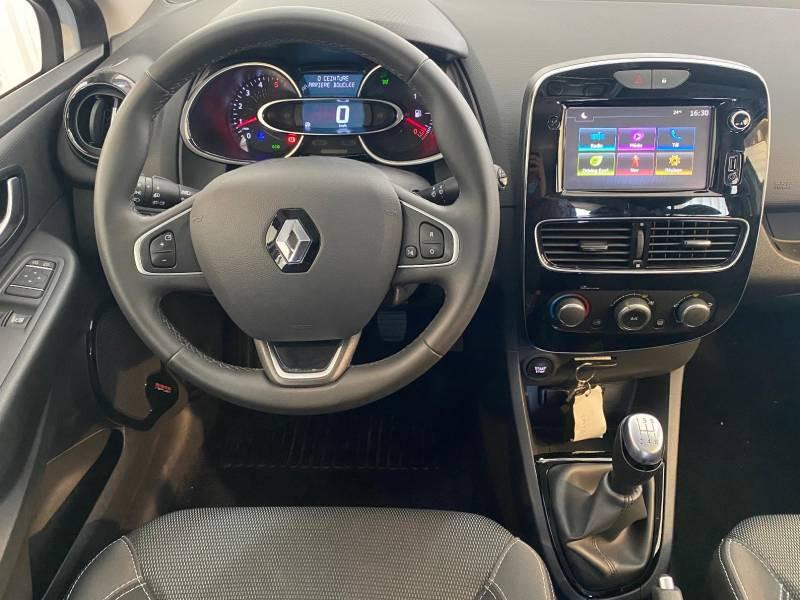 Renault Clio IV SOCIETE DCI 75 ENERGY AIR MEDIANAV  occasion à CONCARNEAU - photo n°4