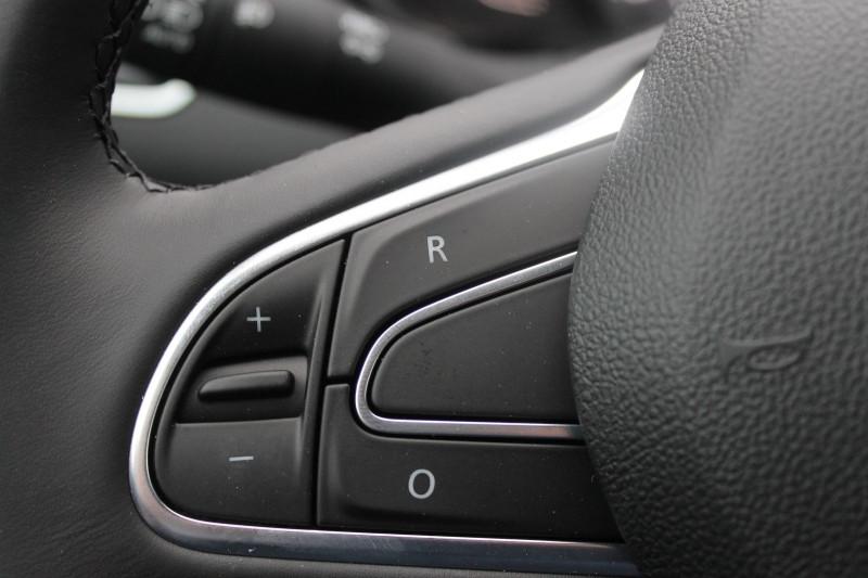 Renault Kadjar 1.5 BLUE DCI 115CH INTENS EDC Blanc occasion à Saint-Saturnin - photo n°9