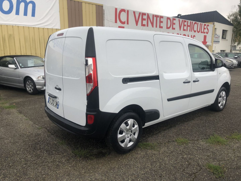 Renault Kangoo II MAXI 1.5 DCI 110CH GRAND VOLUME EXTRA R-LINK Blanc occasion à Thiverval-Grignon - photo n°5