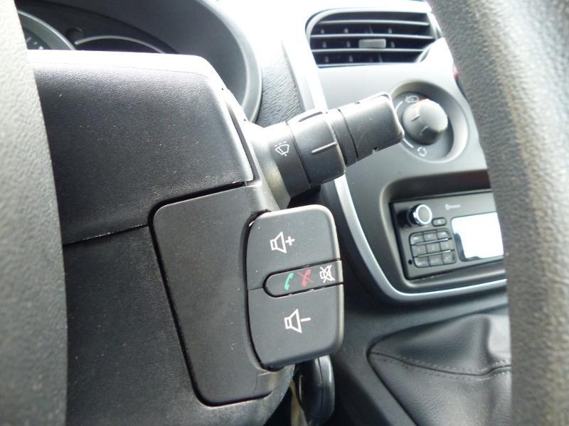 Renault Kangoo 1.5 dCi 90 Energy Grand Confort FT Blanc occasion à Millau - photo n°17