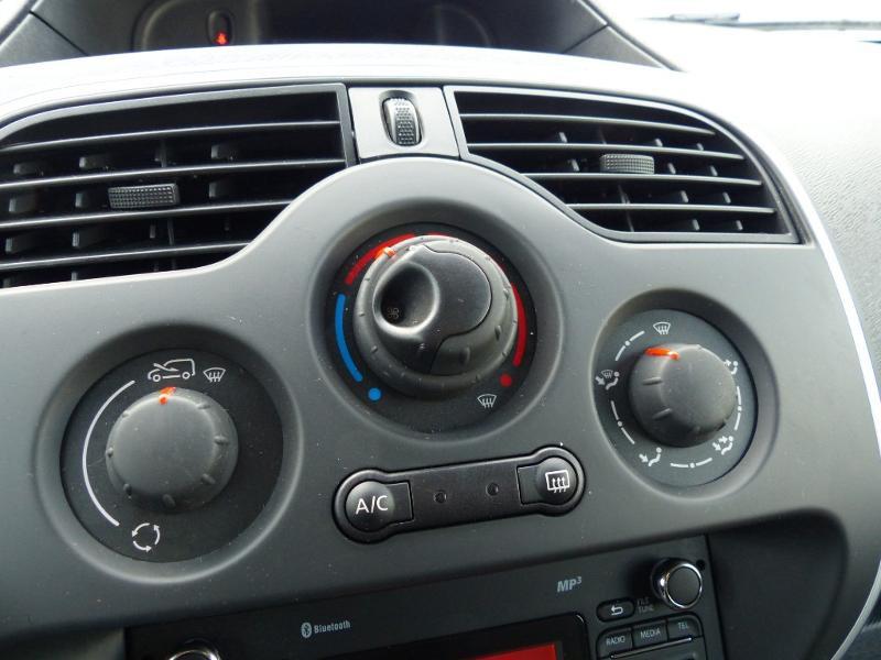 Renault Kangoo 1.5 dCi 90 Energy Grand Confort FT Blanc occasion à Millau - photo n°12