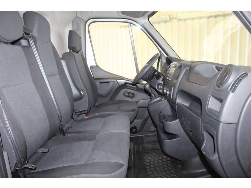 Renault Master FOURGON FGN L2H2 3.3t 2.3 dCi 130 E6 GRAND CONFORT Blanc occasion à TARBES - photo n°9