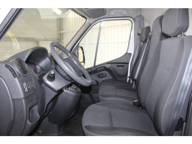 Renault Master FOURGON FGN L2H2 3.3t 2.3 dCi 130 E6 GRAND CONFORT Blanc occasion à TARBES - photo n°7