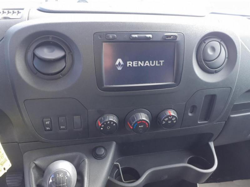 Renault Master FOURGON FGN L2H2 3.5t 2.3 dCi 130 Blanc occasion à CHERBOURG-EN-COTENTIN - photo n°6